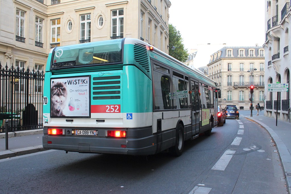 the world 39 s newest photos of irisbus and paris flickr hive mind. Black Bedroom Furniture Sets. Home Design Ideas
