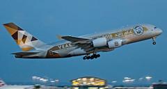 A6-APH - Airbus A380-861 - LHR (Seán Noel O'Connell) Tags: etihadairways etihad a6aph airbus a380861 a380 a388 yearofzayed heathrowairport heathrow lhr egll auh omaa 27r ey18 etd69k aviation avgeek aviationphotography planespotting