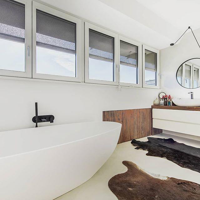 So Schlicht So Schön! Ein Aufregendes Badezimmer Mit Unserer  Mineralguss Badewanne Luino. In