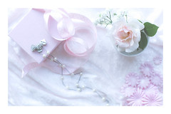 236/365: I believe in pink...Audrey Hepburn (judi may) Tags: 365the2018edition 3652018 day236365 24aug18 pink flatlay stilllife flowers rose ribbon pearls giftbox necklace canon5d 50mm soft softness pastel highkey