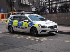 British Transport Police Vauxhall Astra (LJ17 CRV) (Neil 02) Tags: britishtransportpolice vauxhallastra lj17crv policecar policevehicle btp emergencyservices liverpool merseyside