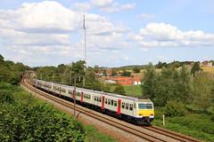 AM 353+310 IC 1736 Liège-Guillemins - Quiévrain, à Hennuyères (phi5104) Tags: trains treinen sncb nmbs hennuyères