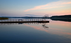 Calm evening on the lake Päijänne. #Autumn #Finland (L.Lahtinen (nature photography)) Tags: finland autumn lake september calm fog reflections nature nikond3200 naturephotography nikon evening sysmä päijänne beauty relax mist landscape suomi järvimaisema järvi ilta heijastukset europe maisema syksy goodnight blue pier hyppytorni divingtower auringonlasku penkki landscapephotography magicnature 😍 majutvesi