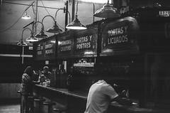 15710011-Editar (Buenos Aires loucoporanalogicas) Tags: canon eos3 agfa copex rapid 100 mercado de san telmo buenos aires 2015