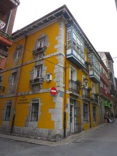 Dans la vieille ville, Bermeo, comarque de Busturialdea, Biscaye, Pays basque, Espagne.