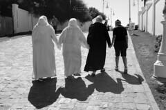 Tánger (Franci Esteban) Tags: tánger streetphotography familia family sombras marruecos