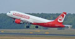 Laudamotion OE-LOD - Airbus A320 (G-RJXI) Tags: laudamotion air berlin niki lauda oelod airbus a320 320 tegel txl eddt