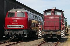 Altrot in Bremen (Schwanzus_Longus) Tags: german germany bremen old classic vintage railroad railway train diesel loco locomotive freight cargo shunter switcher db deutsche bundesbahn v160 v60