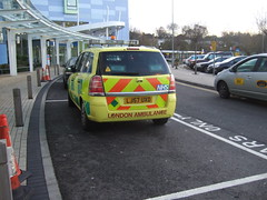 JRH West Wing 2012 (hbw_pics) Tags: oxford oxfordshire 2012 12december nhs hospital johnradcliffehospital ambulance