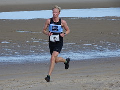 DSC08821 (corradookp) Tags: kustloop vrouwenpolder strand oostkapelle running beach run