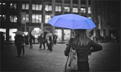 Peek & Cloppenburg (bert • bakker) Tags: vrouw woman lady dame dam amsterdam umbrella paraplu nederland thenetherlands regen rain donker dark avond evening stad city street straat nikon50mm18gse