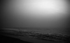 Dark sunrise (Rosenthal Photography) Tags: morgendämmerung washis50 tamilnadu meer 20180602 bnw schwarzweiss 35mm asa50 indien ff135 chennai sonnenaufgang rodinal12521°c11min bw golfvonbenghalen olympus35rd analog morgen landscape dark darkness mood summer june olympus olympus35 35rd fzuiko zuiko 40mm f17 eashi filmwashi washis rodinal 125 epson v800 sea india morning sunrise