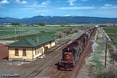 Highball Alturas (C.P. Kirkie) Tags: alturas southernpacific sp spmodocline modocline modoccounty emd trains railroads sd40 modocnorthern modoc railroadstation