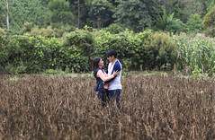 Couple (erick.aspuac) Tags: couple aire libre outdoors portrait field campo nature natural luz retrato guatemala