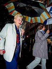 Menschen in München on a rainy afternoon in August 18 _ copyright by ralph striewski images (48).jpg (Ralphs Images) Tags: streetphotography moods mft menschen olympuszuikolenses ralph´simages stimmungen panasoniclumixg9