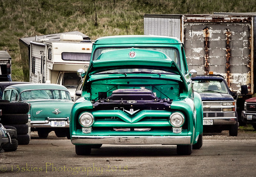 singleshothdr truck classiccar classictruck pickuptruck oldie cool green hot smocking fast drive antique parison happytruckthursday truckthursday sony grill headlights