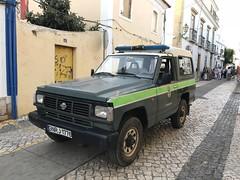 Portuguese Police Car - GNR - Nissan Patrol SWB - Alvor, Portugal (firehouse.ie) Tags: portugal polizei lawenforcement cops politie politi polis vehicles vehicle 4x4 jeep policia police gnr datsun nissanpatrol nissan algarve alvor