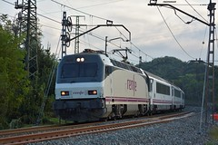 252 (firedmanager) Tags: renfe renfeoperadora railtransport ferrocarril tren train trena arco intercity 252 siemens locomotora locomotive