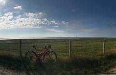 Out and about... #Alpecincycling #Bicyclingnl #wahooligan #MyCanyon #Zippwheels #lovezeeland #fietsen #cycling