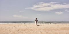 (thierrylothon) Tags: océan plage gironde presquilecapferret capferretocéan piraillan paysage personnage sonya7riii sonyzeissfe35mmf28za 03aplage aquitaine fe35mmf28za sony phaseone captureonepro c1pro fluxapple flickr lègecapferret france fr