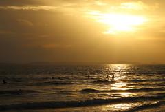 SIHANOUKVILLE, CAMBODIA (Juan Carlos Moñino) Tags: traveller travelling viajar viajero tourism tourisme turismo southeastasia suresteasiatico cambodia camboya playa beach mar sea sihanoukville sunset puestadesol sunsetlight luzdeatardecer clouds nubes coloredsky