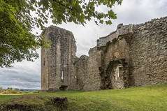 Spynie Palace (Mac ind Óg) Tags: ruin castle summer spyniepalace scotland moray holiday walking elgin palace spyniecastle