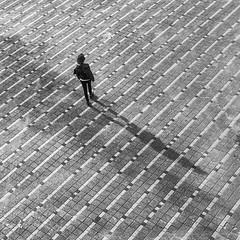 Suivie par son ombre (vanregemoorter) Tags: monochrome people lines shadow ombre reflet lignes personnes géométrique