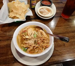 sopa de pollo (Just Back) Tags: chicken pollo broth rice arroz aquacate avodao lima lime food comida almuerzo hambre hungry essen delicious lecker spoon cucharo aiken bowl mesa table lunch