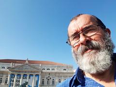 Um abraço, desde Lisboa, para todos os meus amigos! (António José Rocha) Tags: selfie eu autoretrato retrato portugal lisboa teatronacionaldmariaii barbas homem