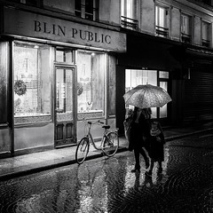 DSCF4201-2-Modifier (christiandumont) Tags: streetphotography streetphoto streetlife street blackandwhite bw noiretblanc nb rue night nuit rain pluie x100f fujifilm umbrella