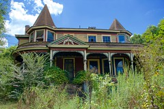 when we got back from vacation... (StephenReed) Tags: house derelict victorian overgrown spartageorgia nikond3300 stephenreed 208adams