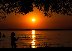 Baby Silhouette (free3yourmind) Tags: baby silhouette sun sea lake minsk belarus sunset
