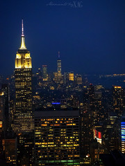 Never sleep... (Moments by Xag) Tags: olympus nyc newyork city ciudad nuevayork travel holidays turismo night noche empirestatebuilding topoftherock usa estadosunidos xag momentsbyxag