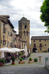 Plaza Mayor and the church tower, Aínsa (♥ Annieta ) Tags: annieta juni 2018 sony a6000 holiday vakantie france frankrijk spanje spain espagne bergen mountains dorp village aïnsa middeleeuws middleage allrightsreserved usingthispicturewithoutpermissionisillegal sobrarbe