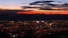 Crépuscule dans la belle ville