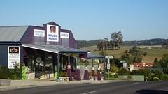 310 Sheffield, Tasmania (Brigitte & Heinz) Tags: australia australien australie sheffieldmurals townofmurals tasmania tasmanien tasmanie