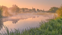Morning Tranquility (Captain Nikon) Tags: normantononsoar nottinghamshire england riversoar river mist misty atmospheric sunrise morning church narrowboat autumn outdoorphotography