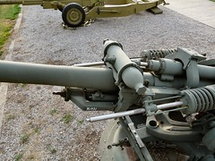 "M119 105mm Howitzer 10 • <a style=""font-size:0.8em;"" href=""http://www.flickr.com/photos/81723459@N04/30927360088/"" target=""_blank"">View on Flickr</a>"