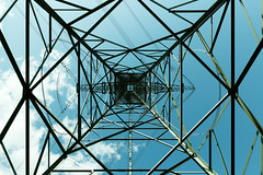 High energy (Pascal Volk) Tags: berlin marzahn berlineastside gewerbegebiet industriegebiet businesspark parqueempresarial industrialpark parqueindustrial gewerbepark freileitungsmast strommast transmissiontower powertower electricitypylon torreeléctrica apoyoeléctrico berlinmarzahnhellersdorf 24mm wideangle weitwinkel granangular superwideangle superweitwinkel ultrawideangle ultraweitwinkel ww wa sww swa uww uwa sommer summer verano canoneos6d sigma24mmf14dghsm|art 24mmf14 24mmlens unpointquatre onepointfour dxophotolab 7dwf