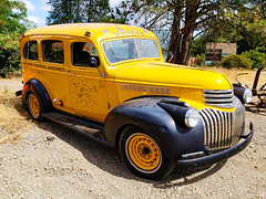 Happy Truck Thursday! This Chevy schoolbus was owned by the Palisades School District No102 (creepingvinesimages) Tags: htt schoolbus vintage classic yellow chevy palisadesschooldistrictno102 samsung s pse14 topaz outdoors