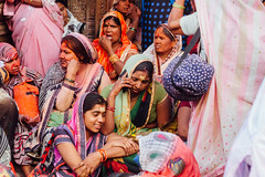 Women Outside Shri Banke Bihari Mandir, Vrindavan India (AdamCohn) Tags: abeer adamcohn bankebiharimandir hindu india shribankeybiharimandir vrindavan gulal holi pilgrim pilgrimage अबीर गुलाल होली