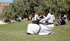 Our drivers dancing 2 (motohakone) Tags: jemen yemen arabia arabien dia slide digitalisiert digitized 1992 westasien westernasia ٱلْيَمَن alyaman kodachrome paperframe