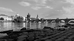 Prague (Erich Hochstöger) Tags: prague vltava charlesbridge river bridge bw monochrome landscape prag moldau karlsbrücke fluss brücke sw landschaft canoneos70d