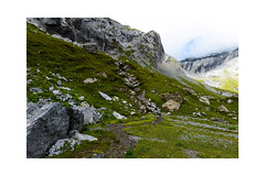 Auch nur noch ein Rinnsal (balu51) Tags: wanderung landschaft berge schnee himmel wolken wasserfall bergbach hochmoor felsen morgen herbst grau grün gelb weiss hiking landscape mountain snow rock waterfall water sky clouds morning grey green white graubünden surselva flims segnesboden september 2018 copyrightbybalu51