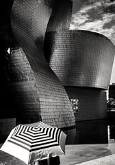 Bilbao,  Sep18 (oiZox) Tags: streetphotography streetart guggenheim museo bilbao bnwphoto bnwphotography fotocallejera paisvasco viaggiare traveler travelblogger travelphotography travelphoto bnw human happiness blackandwhite blancoynegro ciudad citta