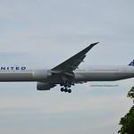 United Airlines N2243U Boeing 777-322ER cn/63723-1500
