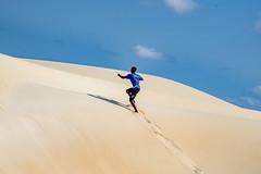 Infinite sfumature di sabbia... (Renato Pizzutti) Tags: isoladiboavista capoverde desertodiviana sabbia dune uomo nativo nikond750 renatopizzutti