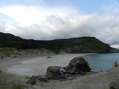 Coldbackie Beach, Sutherland, Aug 2018 (allanmaciver) Tags: coldbackie beach sutherland north scotland sand sea rocks shade shadow curve water clouds dark morning weather enjoy allanmaciver