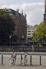 Hamburg (petra.wruck) Tags: streetphotography strasenfotografie hamburg street landschaften strasen landscapes