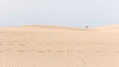Maspalomas (StellaMarisHH) Tags: europa spanien canaren kanaren maspalomas grancanaria sand dünen strand himmel braun blau rot rettungsschwimmer rettungsturm kreuz roteskreuz canon canoneos60d eos60d 60d sigma sigma18200 photoscape